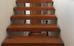 neathwawk-stairs